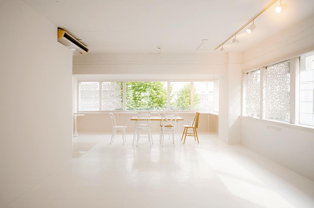 東京港区青山でスタジオ写真撮影、プロフィール撮影はティーキューブ